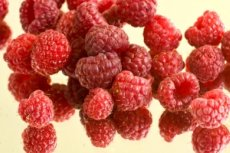 Photo of raspberries, foods with vitamin c
